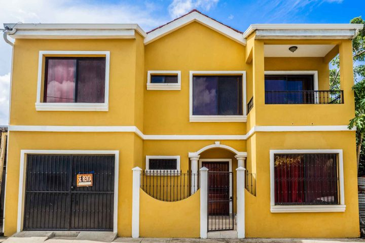 2 Story Centrally Located House 1