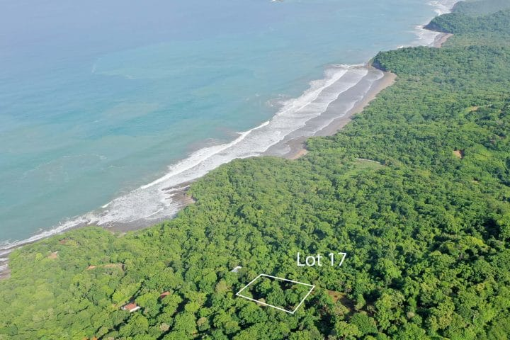 This Costa Dulce lot is walking disctance to the beach.